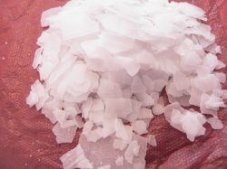 高品質98%の腐食性ソーダ薄片、水酸化ナトリウムの薄片