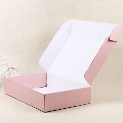 Kaart van de douane plooide het Vakje van het Document recycleerde de Gekleurde Vakjes die van de Gift de Roze Vakjes Mailer verschepen van de Doek