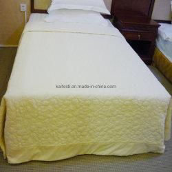 Acolchado de fibras de poliéster Quality Hotel Colchas/ Cama propagación