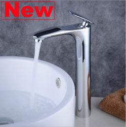 Colpetto d'ottone dell'acquazzone dell'acqua della vasca da bagno della cucina del bacino del lavabo della cascata della stanza da bagno
