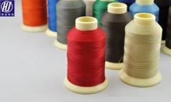 Les Threads industrielle 100% polyester collés les filetages de fils à tricoter