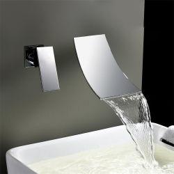 목욕탕 고전적인 단 하나 손잡이 금관 악기 폭포에 의하여 은폐되는 목용탕 수도꼭지