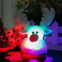 عيد ميلاد المسيح [لد] يشعل يبرق فوق دبوس الزينة رجل ثلج [سنتا] كلاوس شامات دبابيس [إكسمس] هبة