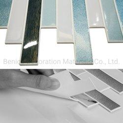 ビニールの壁カバーの青い内部の壁紙の建築材料の装飾の自己接着モザイク・タイル