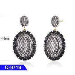 تصميم جديد 925 Sterling Silver أو Brass غرامة المجوهرات CZ ستونز فاشون قطرة لحارنات لنساء