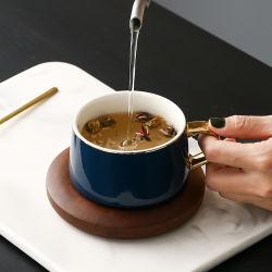 陶磁器のコーヒーカップおよび木の受皿のティーカップセット9oz