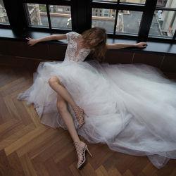 Liebsten ärmellosen Chiffon und Spitze Elfenbein Brautkleid