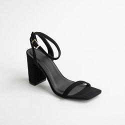 أزياء أزياء السيدات أحذية الصيف للبيع الساخن من الألياف الدقيقة بلوك هيلز سيدة أحذية الصندل للنساء