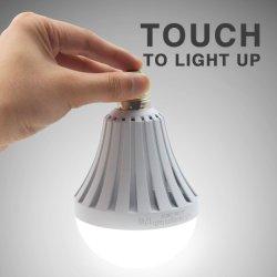 Larga vida toque de luz LED E27 de la noche de emergencia recargable LED Lámpara de luz de acampada