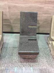 屋外の装飾のための自然な石造りの黒い花こう岩のベンチSF-B-006