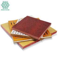 A fábrica de painéis acústicos Pirâmide Preto Placa de isolamento acústico Painéis acústicos de madeira perfurada