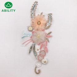 Il ricamo di Appliques floreale del merletto del poliestere di alta qualità progetta il merletto del fiore