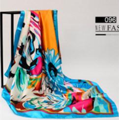 Diseño personalizado de impresos digitales de bufanda y poliéster Serigrafiada Pañuelo de seda y la señora bufanda como regalo de promoción