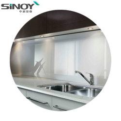 ホームデザインのための塗られたガラスストーブの壁を使用して現代台所装飾