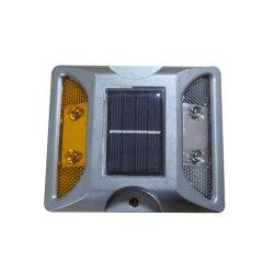 Commerce de gros de l'aluminium route solaire LED goujon avec soulevées clou