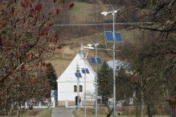 نظام الرياح الشمسية الهجين مع ضوء شارع LED مناسب الارتفاع من 10 إلى 12 مترًا