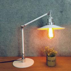 Lampenkappen bureaulamp Home Decoratie Vintage tafellamp High Hoogwaardige metalen Retro LED modern elektrisch strijkijzer, tafellamp van 2 jaar