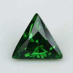 Wuzhou 매력적인 삼각형 조개의 잘린 녹색 CZ 원석에 있는 제조자