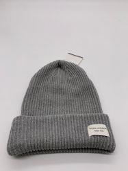 2019 Beanie di inverno lavorato a maglia di colore solido di modo di alta qualità 100%Cotton