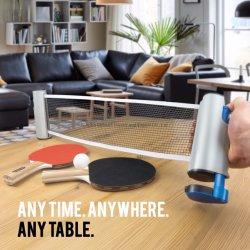 Ping-pong di sport dovunque con le pale di Pong di rumore metallico, le sfere e l'insieme portatile dell'alberino & della rete