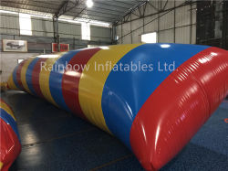 Aufblasbares sich hin- und herbewegendes Gefäß-Wasser spielt aufblasbaren Klecks-Überbrückungsdraht für das Springen