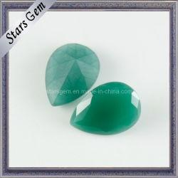 Simple et élégante forme de poire vert Crystal perles de verre