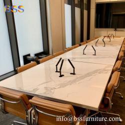 正方形の会議室の机の簡単な現代デザイン贅沢でスマートで純粋で白いCorianのアクリルの水晶石の大理石の上の正方形の形の会合の机