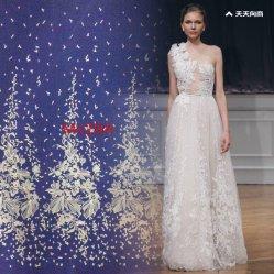 Beau grand pétale avec paillettes robe de mariée de conception de la broderie dentelle tissu