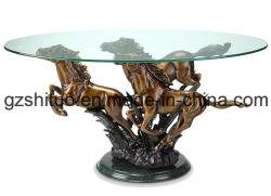 Ein Tisch für Tierkunst und Kunsthandwerk