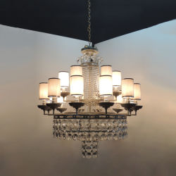Weißer Stoff Lampenschirm und schwarz beschlagt Metall Lampe Körper Pendelleuchte.