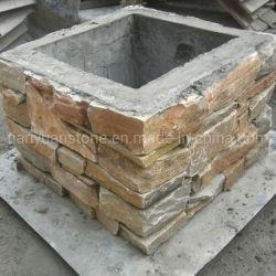 A cultura natural do pilar da parede externa da pedra