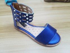 Último diseño superior de la PU TPR única Sandalia de niños zapatos