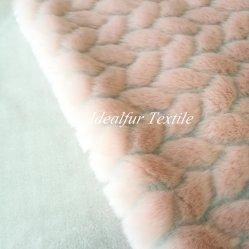 Preste atenção em folha de falso tecido de peles com pêlo