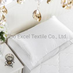 Commerce de gros de l'enveloppe blanche sous étiquette privée de luxe de style faux Housse de coussin de satin de soie