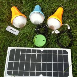 Il sistema domestico portatile di energia solare illumina il telecomando