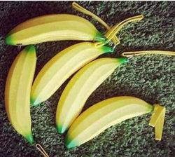 新しい漫画のバナナのシリコーンのキー袋