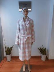 A impressão de moda Velo Coral Sleepwear Loungewear Dormir Pijamas Roupão