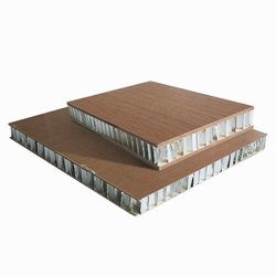 Het samengestelde Decoratieve Comité van de Sandwich van de Honingraat van het Aluminium van het Systeem van de Bekleding van de Muur