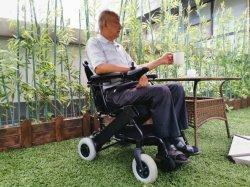 Sedia a rotelle elettrica a pile con il poggiapiedi registrabile per il Ce paziente di riabilitazione, ISO13485, ISO9001