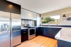 La conception de haute qualité à bas prix haut brillant avec la boulonnerie des armoires de cuisine