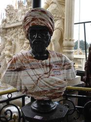 Talla Busto de piedra de mármol multicolor