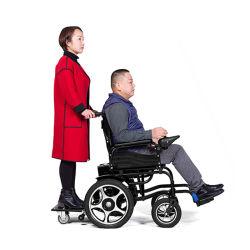 Untauglicher älterer beweglicher Stuhl, Aluminiumbassin-Wärmflaschen-Rollstuhl