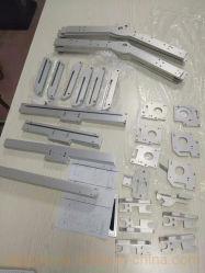 ODMはアルミニウムジープの手段のための6061CNCによって機械で造られた第3ブレーキライトカバーをカスタマイズした