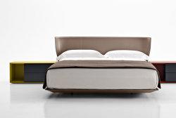 Mejor vendedor Venta caliente cama dormitorio cama King size, sofá cama, cama tapizados de estilo de moda en Italia