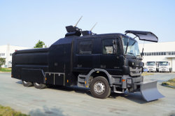 Cxxm 14000L 6X4 모델 터보제트 안티-리엇 캐논 차량 / 6x6 모델 완벽한 자체 보호 시스템 맞춤형 터보 제트 물림 방지 트럭
