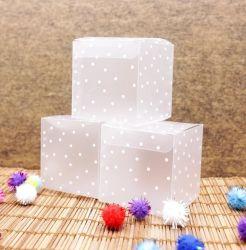 Accettare il cubo rotondo opaco quadrato pieghevole su ordinazione del contenitore di regalo del pacchetto della caramella della casella del PUNTINO del PVC per il favore della festa di compleanno di cerimonia nuziale