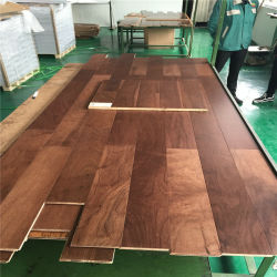 Bester verkaufenwaren ausgeführter hölzerner Bodenbelag-wasserdichter chinesischer Eichen-Furnierholz-Bodenbelag für Verkauf von China