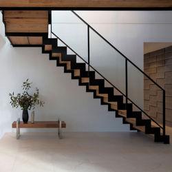 Escalier moderne en verre/l'étape de l'escalier en bois massif