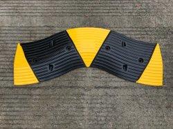 Schlange-Entwurfs-Fahrbahn-Sicherheits-Gummistraßen-Geschwindigkeits-Buckel