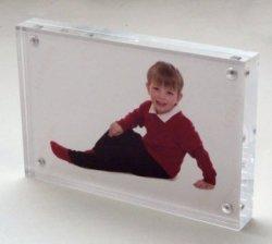 Personalizar el marco de fotos acrílico magnética clara